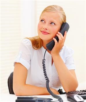 falando ao telefone