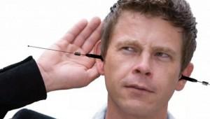 diferença entre listen e hear